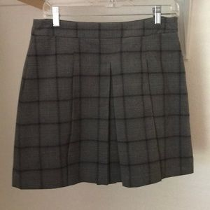 Gray plaid Loft skirt